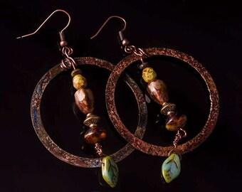 Rustic copper woodsy hoop earrings