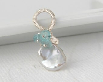 Keishi pearls wrapped pendant with turquoise apatite, 925 Silver, sterling silver, loop, white freshwater pearl