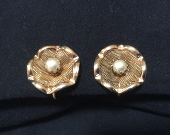 Screw Back Earrings Gold Tone Mesh Wave and Faux