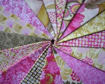 Savannah by Fabri-Quilt - Fat Quarter Bundle - 17 pieces