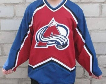 Starter NHL Colorado Avalanche jersey, vintage hockey t-shirt, 90s hip-hop clothing, 1990s hip hop shirt, gangsta rap shirt, size L Large