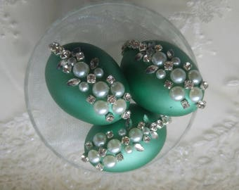 1xEmeral green decorative eggs , sofreh aghd eggs