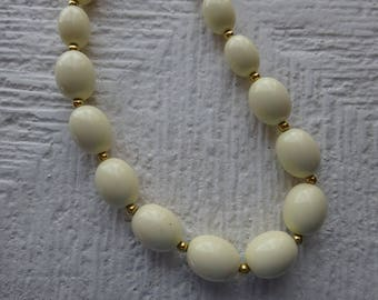 Free Shipping/Lucite Monet Necklace/Egg Shape Necklace/Beige Necklace/Vintage Monet Necklace/Graduated Beads Necklace