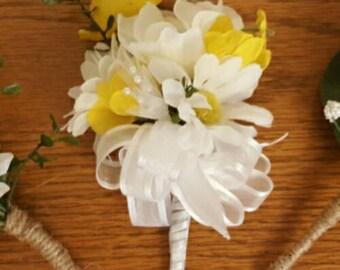 Yellow Wrist Corsage, Wedding Corsage, Pearl Wrist Corsage, Mother of the Bride Corsage, Mother of the Groom Corsage, Yellow Daisy Corsage