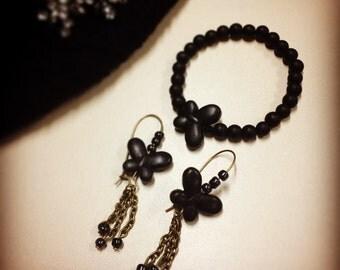 Butterfly earrings black pearls