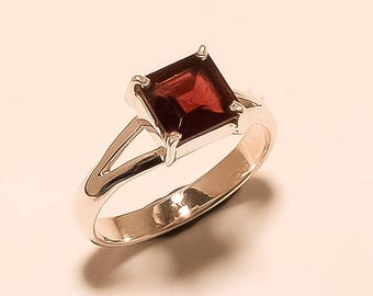 Natural Garnet Ring Red Garnet Square Cut Ring Sterling Silver Ring Red Garnet Gemstone Ring 925 Solid Sterling Silver Garnet Ring Us7 E-838
