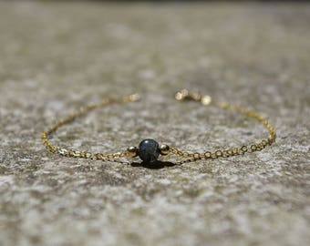 Thin chain bracelet 14 k gold, quartz bead