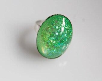 Ring, light green, resin, glitter
