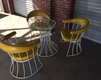 Mid Century Modern Patio Set in the style of Woodard