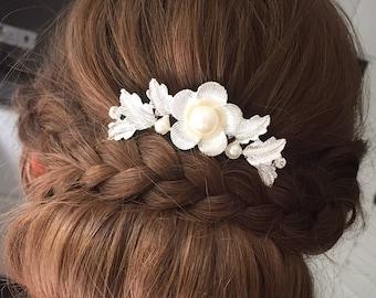 Bridesmaid hair comb, Bridal hair comb, bridal comb, pearl hair comb, wedding hair, silver hair comb, bridesmaid gift, hair accessories