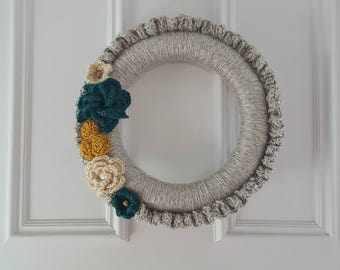 Wreath >> Crochet Wreath, Yarn Wreath, Floral Wreath, Floral, Spring, Spring Decor, Home Decor