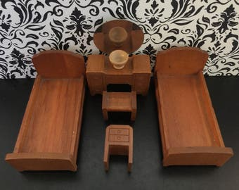 """Strombecker Vintage Bedroom Set   3/4"""" or 1:16 Scale   1930-40s Wood Miniature Dollhouse Furniture   2 Beds, Vanity, Nightstand, Bowl, Bench"""