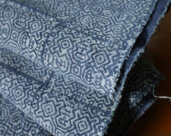 Vintage style Hmong textile - handmade asian tribal textile -  indigo cotton batik, new condition FDIG0101