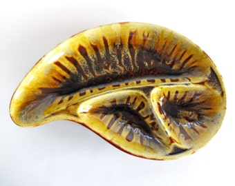 Vintage Kidney-Shaped Glazed Snack Dish With Great Zebra-Pattern, Mid Century Modern