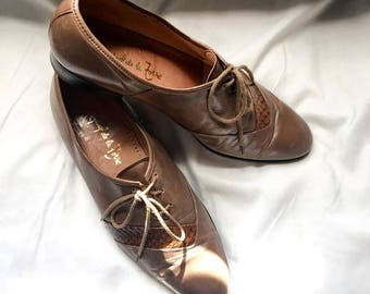 Vintage Light Brown Leather Oxfords // US Womens 9 // Vintage Oxfords // Raphael De La Forre // Mother's Day Gifts // Upcycled Clothing