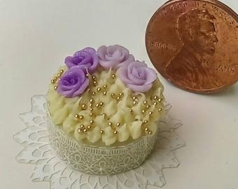 OOAK Dollhouse Miniature one inch scale Cake by CSpykersMiniaturesUS