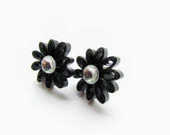 Quilled Earrings, Quilled Daisies, Quilled Daisy, Daisy Earrings, Daisy Stud Earrings, Black Daisies, Quilled Jewellery, Pinup Earrings