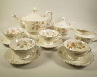 Bavaria Johann Seltmann Vohenstrauss, tea service: 4 cup and saucers, teapot, sugar pot, milk jug, 50s