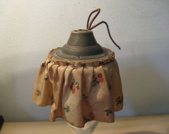 For the dollhouse: French antique pendant lamp with fruit and leaves ... 20 years!