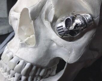 XIII skull ring