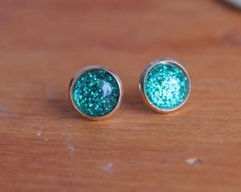 Emerald Green and Rose Gold Sparkling Stud Earrings, Glitter Earrings, Rose Gold Earrings, Rose Gold Studs, Emerald Earrings, Geen glitter