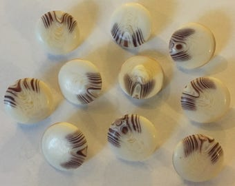 10 x Cream Aran Buttons With A Shank. Size 24 (Approx. 15mm).
