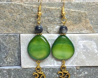 OM earrings Gold Green shell beads earrings