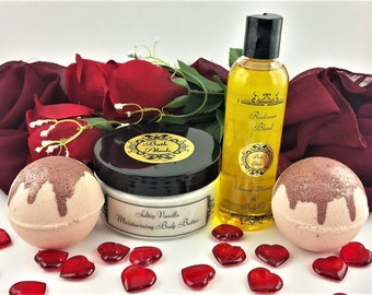 Vanilla Spa Gift Box - Romantic Gift - Couples gift - Christmas gift - Gift Set - Massage Oil - Bath Bombs - Date Night - wife gift - spa