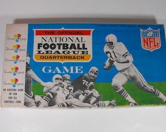 1965 Official NFL Quarterback Game by Standard Toykraft   (917)