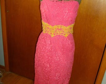 Vintage 1950's Pink Lace Dress With Front Bust Boning