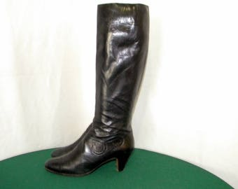 Salvatore Ferragamo Vintage Sz 7.5 Tall Black Italian made 1980s leather zip up boots.