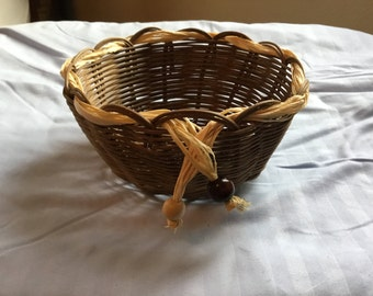 Wicker basket with bead trim