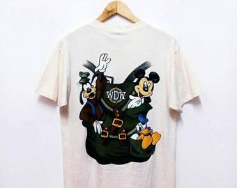 Hot Sale!!! Rare Vintage 90s WALT DISNEY WALT Cartoon Mickey Goofy Donald Duck T-Shirt Hip Hop Skate Swag Medium Size