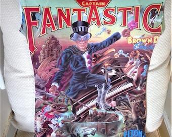 Vintage 1975 Captain Fantastic and The Brown Dirt Cowboy ELTON JOHN T-Shirt - Authenic - Ladies Large