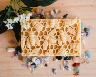 Natural Soap with Honey and Beeswax /Gift under 20 / Gift for her/gift for him, Organic ingredients, May Chang, Grapefruit, natural, no palm