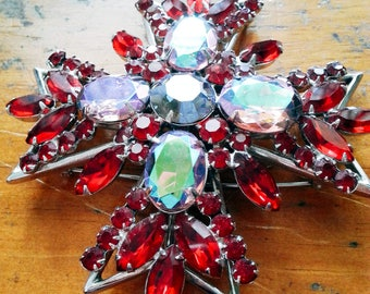 vintage fashion jewelry brooch | 1950s-1960s | excellent condition