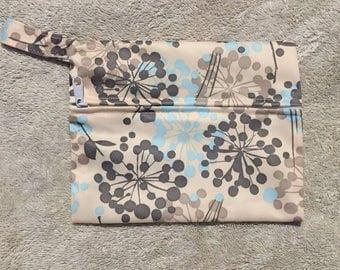 "Mini wetbag/ cloth pads australia/7"" x 5.5""/ wet bag australia/ flowers design"