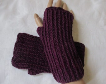 NEW selfmade arm warmers wrist warmers Berry crocheted with viscose and wool length 20 cm