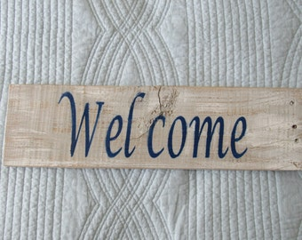 Rustic Pallet Wood Welcome Sign