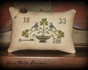 St. Patrick's Day Primitive Pillow Tuck, Finished Cross Stitch, Primitive Stitchery, Ready To Ship