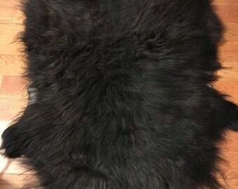 Black Icelandic lamb pelt