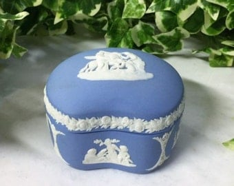 Beautiful Vintage Wedgwood Blue Jasper Ware Kidney Shaped Lidded Trinket Pot