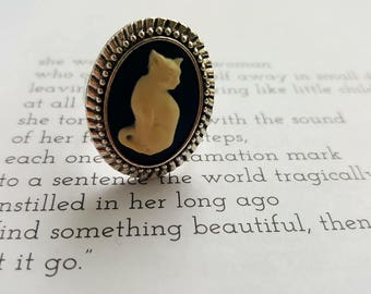 Cat-Tivating Classic Adjustable Ring