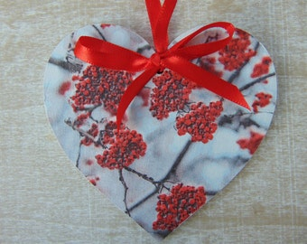 Red Berries Wooden Hanging Heart