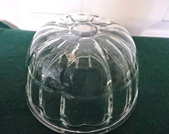 Pyrex Round Glass Jelly Mould/Vintage