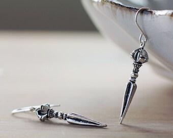 Ornate dagger antique silver earrings | Sterling silver ornate gothic spike earrings | Fantasy roleplay earrings | Ethnic tribal earrings