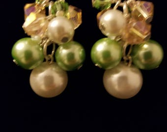 Faux Pearl Cluster