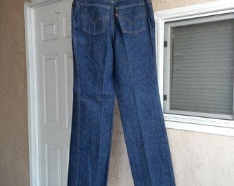 Vintage Women's Levi's Jeans, 25035 0214  High Waist is 26 Inches
