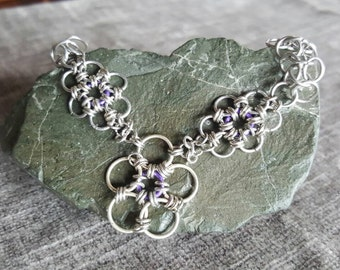 Chain flower bracelet