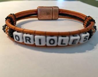Oriole theme bracelet